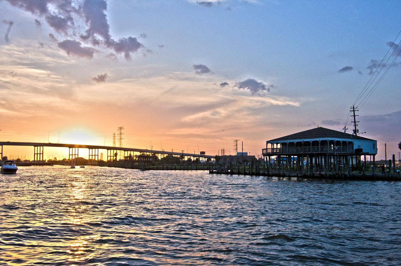 clear-lake-bridge-kemah